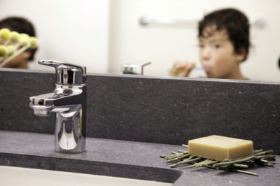 kids_bathroom2-1-e1481929593569