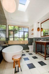 AMI bathroom design photo