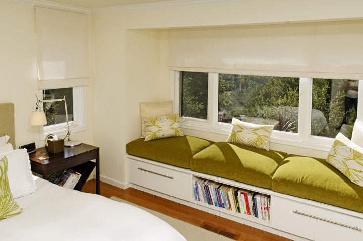 A bright bedroom for book lovers alden miller interiors for Bedroom ideas for book lovers